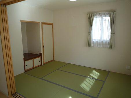 長野市篠ノ井 築浅戸建て 2世帯向き